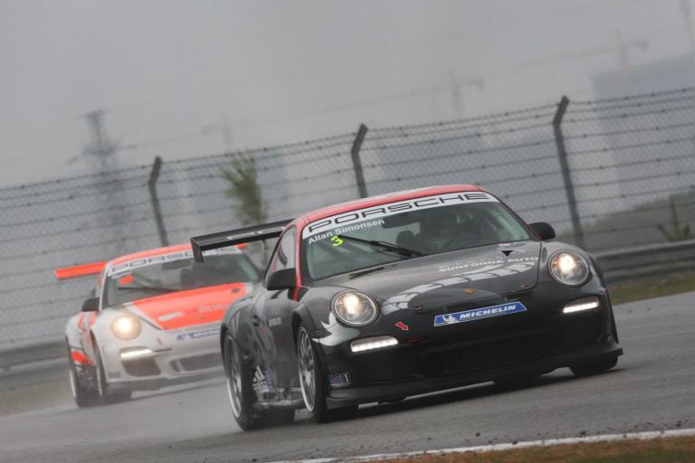 Simonsen Triumphs after Wet Race Thriller